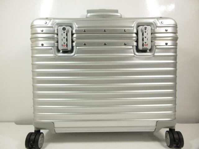 リモワ RIMOWA 4輪 34L トパーズ パイロット トロリー スーツケース 宅配買取にてお買取り♪