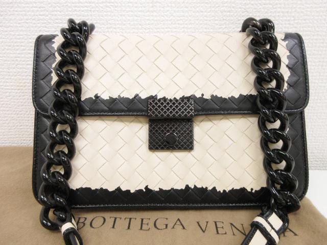 ボッテガヴェネタ BOTTEGA VENETA イントレチャート レザー ショルダーバッグ